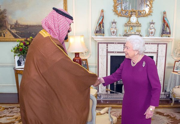 Queen Elizabeth II Photos - Queen Elizabeth II greets Mohammed bin Salman, the Crown Prince of Saudi Arabia, during a private audience at Buckingham Palace on March 7, 2018 in London, United Kingdom. - Saudi Arabia Crown Prince Mohammed Bin Salman Attends Audience With Queen Elizabeth II At Buckingham Palace