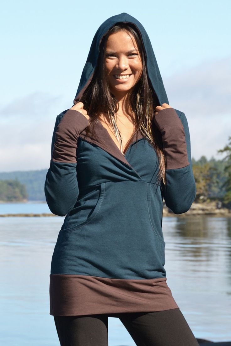 Our Lotus Hooded Tunic is made out of thick and soft #bamboo and #organiccotton - this is a great #sustainable sweater that will keep you warm during the colder seasons. #ecofashion #ecoclothing #gogreen