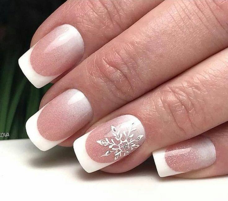 Зимние френчи на ногтях фото это