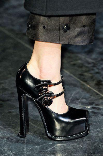 Louis Vuitton at Paris Fashion Week F/W 12/13 // buttoned