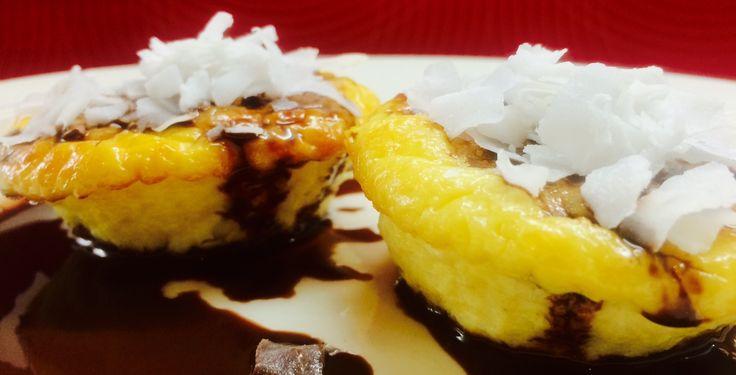 Hihetetlenül finom és egyszerű egészséges sütemény liszt nélkül. Ez a gluténmentes muffin finomság a tojásnak és a görög joghurtnak köszönhetően kiváló és takarékos fehérjével