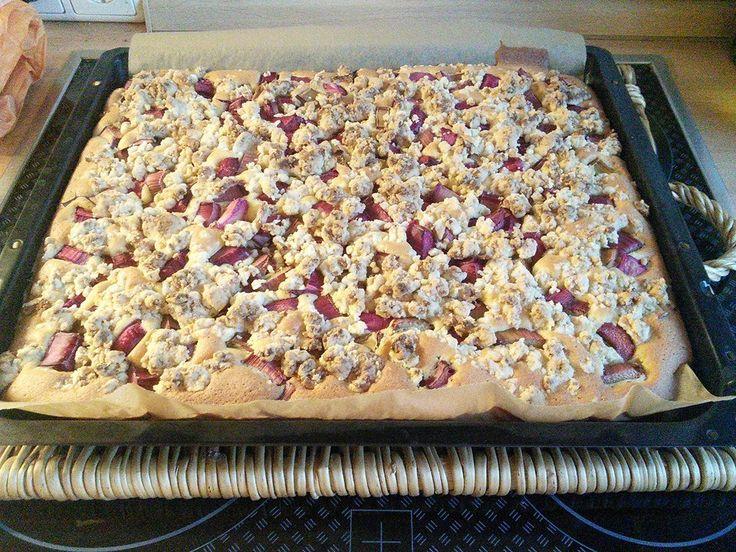 April 2014, Germany - rhubarb marzipan-crumble cake (slab!)