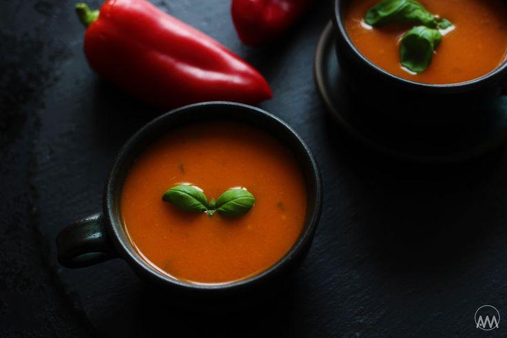 polévka z pečených paprik a rajčat