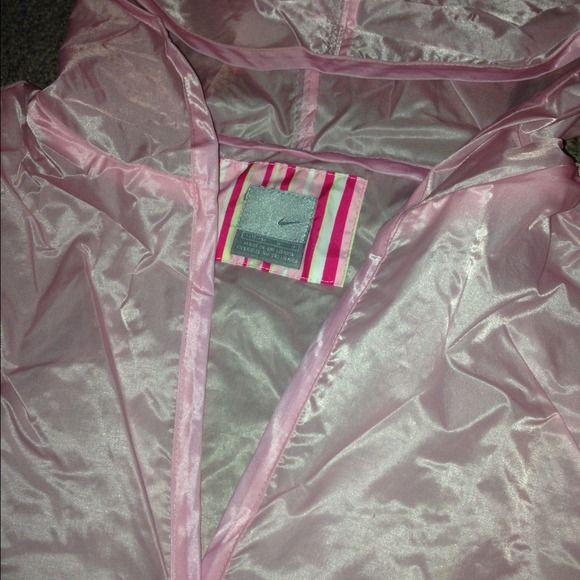 Flash Sale! Pink Nike Rain Jacket Size 12-14 in Children's. Fit like a Women's Small. NWOT Nike Jackets & Coats
