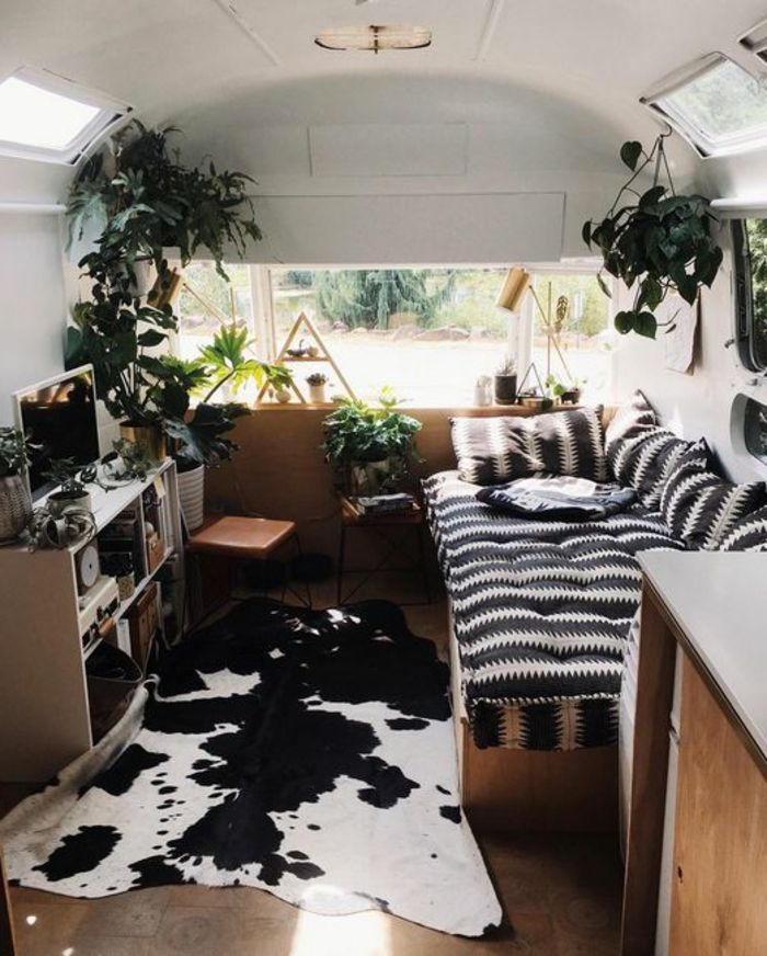 101 best agencement van caravane camping car images on pinterest caravan mobile home and vans. Black Bedroom Furniture Sets. Home Design Ideas