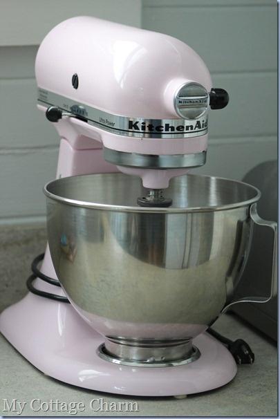 The 25 best pink kitchenaid mixer ideas on pinterest kitchenaid pink mixers and kitchenaid - Flamingo pink kitchenaid mixer ...