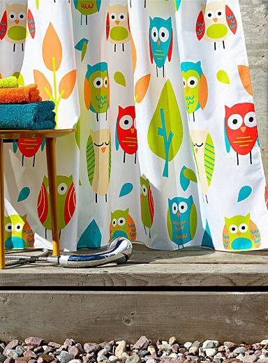 Une exclusivité Simons Maison   Une touche déco jeune et dynamique pour la salle de bains avec ce rideau de douche imprimé hiboux amusants aux couleurs vibrantes et actuelles. Dominance de limette, tangerine, sarcelle et corail sur fond blanc pur.   - Tissu imperméable 100% polyester  - Entretien sans souci  - Suspension à oeillets de métal  - Cordon de maintien au bas  - 180x180 cm