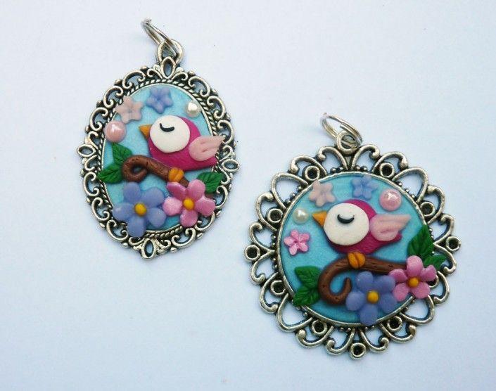 Cameo pendant decorated with little #bird and #flowers in #polymer #clay #handmade - Ciondolo cameo decorato con fiori perline ed uccellino in fimo fatti a mano