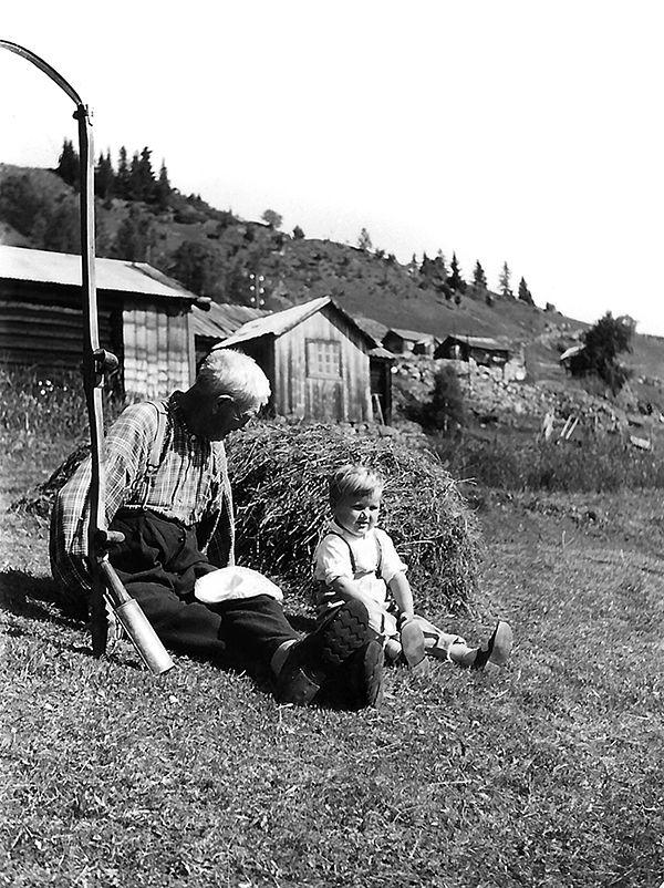 Nr. 31. Haugegarden, 1960. Sevat Brennehaugen og Arnfinn Breie. Utlånt av Torleiv Breie