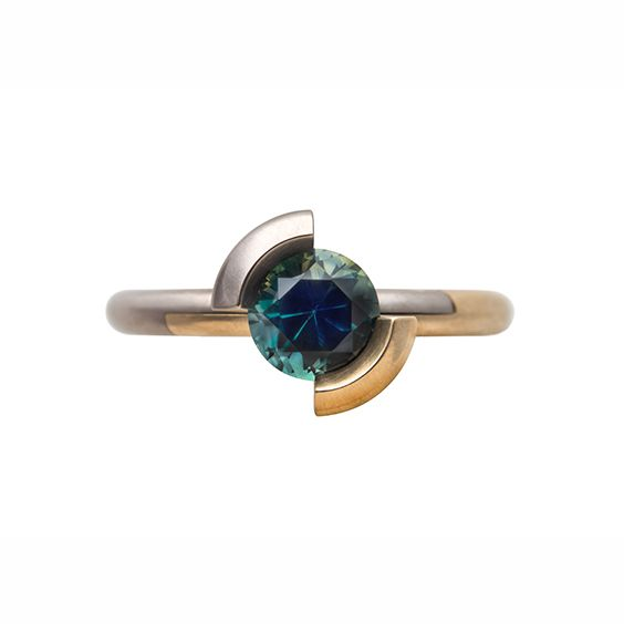 Ring by Cinnamon Lee. Yellow and white gold, parti sapphire from Queensland. Rare Earth: Australian Made 2016. http://courtesyoftheartist.com.au/blogs/articles/rare-earth-australian-made-2016