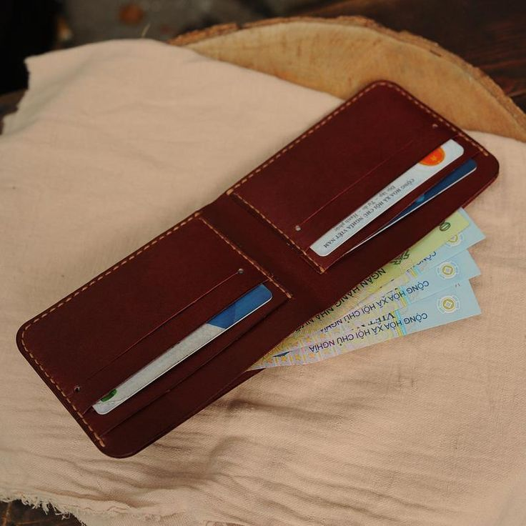 Dark Red Bifold Men Wallet, Minimalist Wallet, Mini Wallet in Burgundy, Hand Stitched Wallet, Handmade Gift, Gift for him, Gift for her