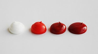 LilaLoa: For the Love of Red Icing