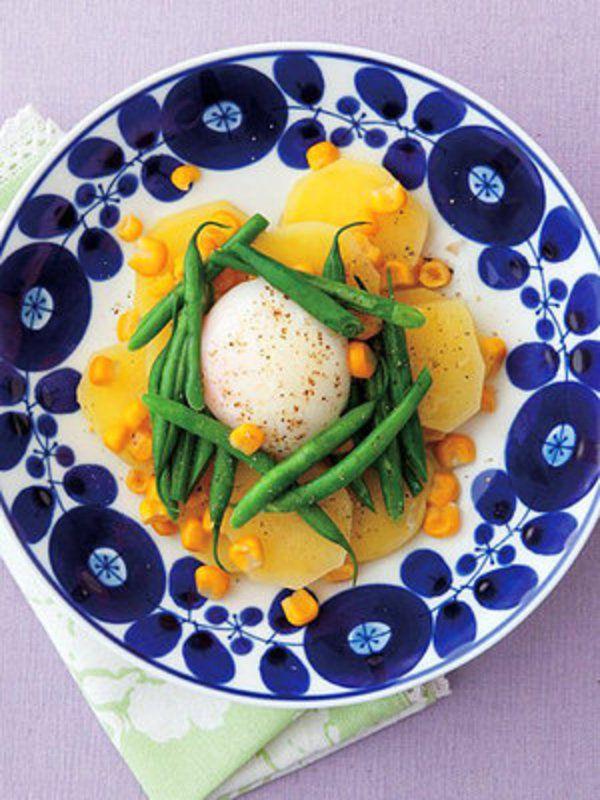 寒い冬にうれしい、ストック食材で作る、滋味あふれる温野菜サラダレシピご紹介。今夜の食卓を彩るレシピを、ぜひ楽しんで。
