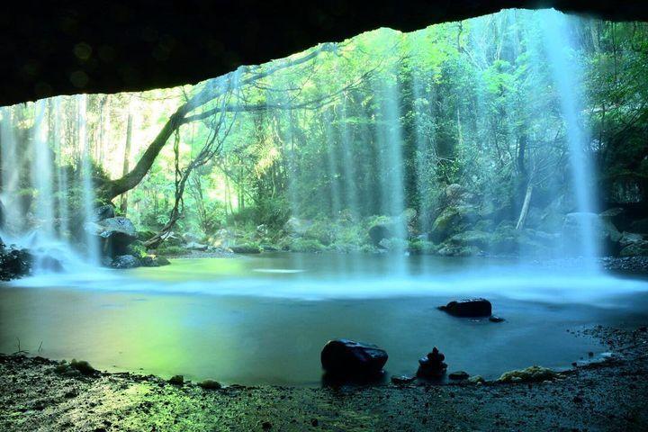 九州で最も優美で神秘的な滝 鍋ヶ滝
