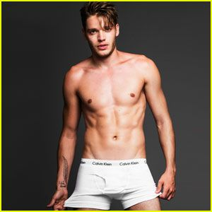 Dominic Sherwood Celebrates TIFF 2015 With 'Shadowhunters' Cast ...