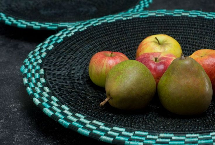 Bonakele/ Block weave baskets done with lutindzi grass and sisal