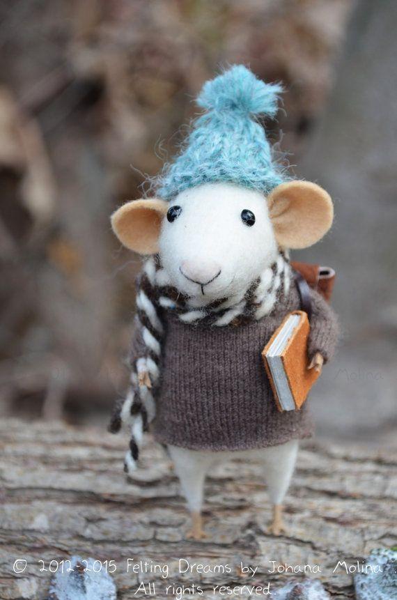 Little Traveler Mouse by Felting Dreams (via Etsy).