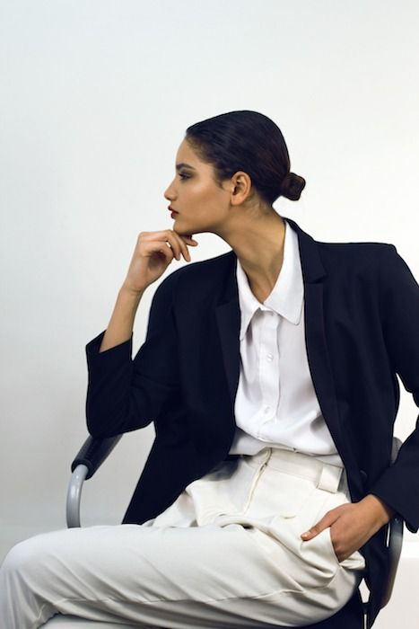 black blazer + white shirt + cream pants = chic