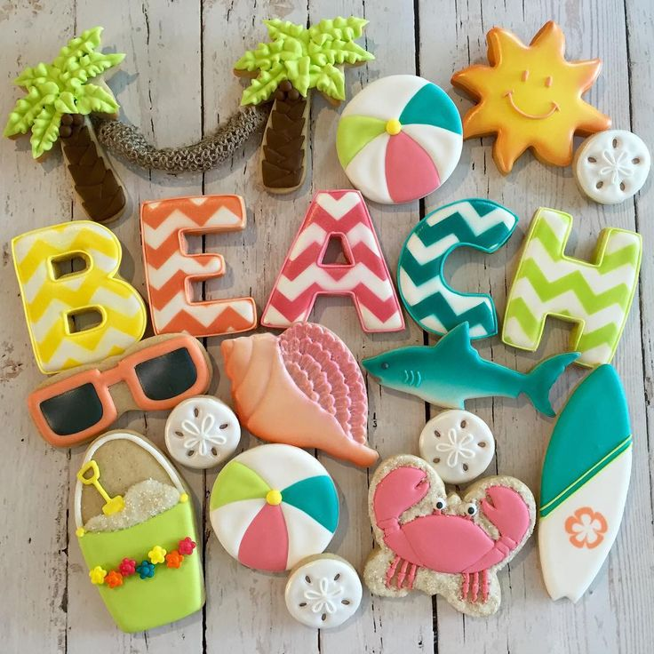 Beach Cookies by @cookieoccasions_