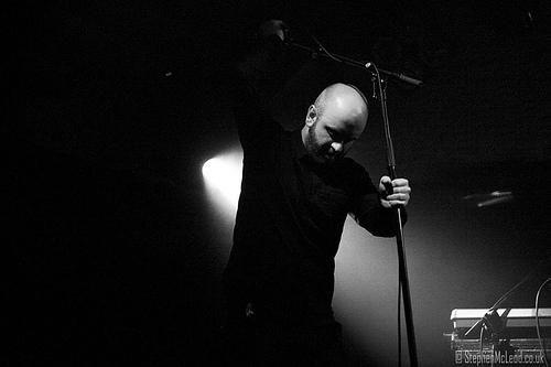 """http://polyprisma.de/wp-content/uploads/2016/02/Craig_B.jpg A Mote Of Dust http://polyprisma.de/2015/a-mote-of-dust/ [vc_row][vc_column][vc_column_text]A Mote of Dust ist ein Rock / Alternative Rock Projekt des schottischen Musikers Craig B zusammen mit seinem Pianisten Graeme Smillie, das er 2015 ins Leben rief, nachdem sich Aerogramme auflöste. Als """"A Mote Of Duste"""" (der Name bezieht sich auf ein ..."""