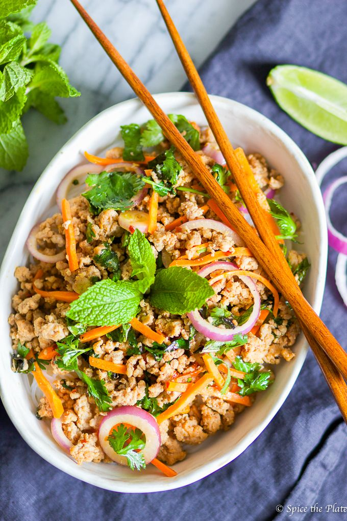 As the weather gets warmer, my craving for homemade thai food gets stronger. Thai minced pork over rice noodle is one of my favorite thai dishes that I mak