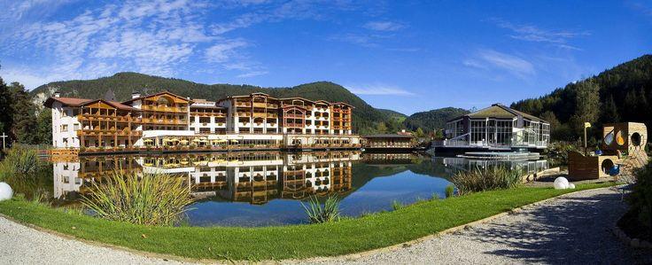 Die Hotel-Anlage liegt traumhaft im bekannten Pustertal in Südtirol. Alle Infos zum Falkensteiner Family Hotel Lido Ehrenburgerhof findet ihr hier: http://kinderhotel.info/kinderhotel/falkensteiner-family-hotel-lido-ehrenburgerhof