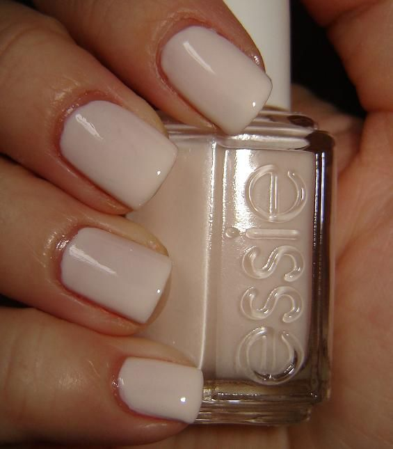 Essie Baby's Breath. My fav nail polish! Won't buy any other brand. Easy on, drys quick and comes off easy too. ♥♥♥♥