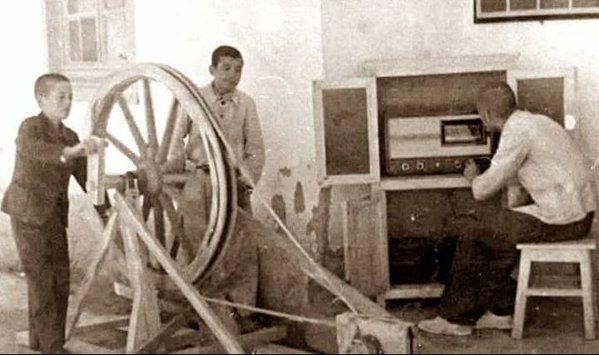 Radyo Çalıştırma Dersi F: Hasanoglan Köy Enstitüsü #birzamanlar #istanlook #nostalji