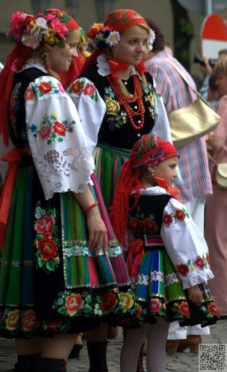 82 best traditional costumes around the world images on pinterest 78 traditional costumes from around the world publicscrutiny Image collections