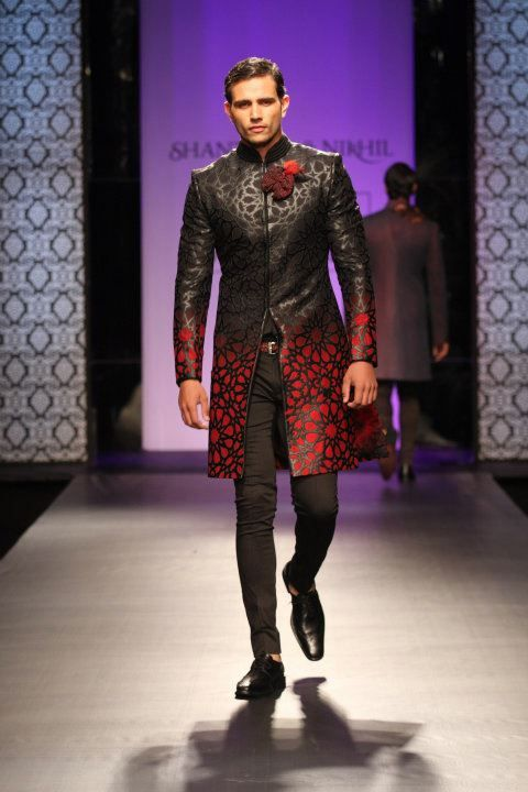 Shantanu & Nikhil. Purple Muse Collection VHMW 11'. Indian Couture.