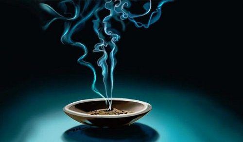 Comment utiliser de l'encens pour changer la vibration de votre intérieur ?