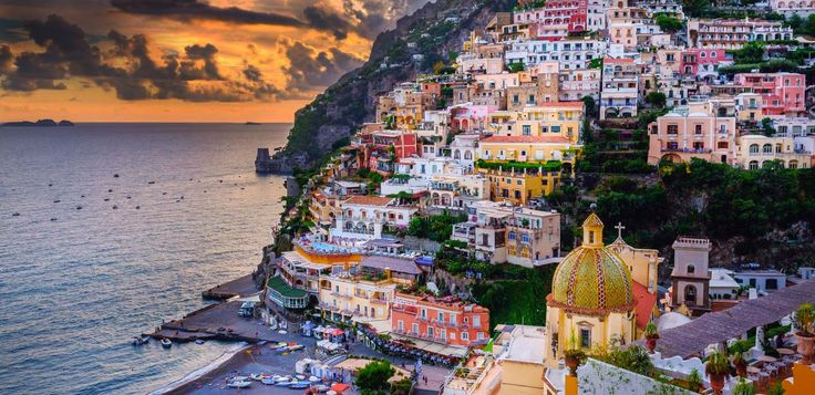The best guide to the Amalfi Coast by locals! Tips and recommendations for planning your trip and booking hotels and tours. Welcome to the Amalfi Coast!