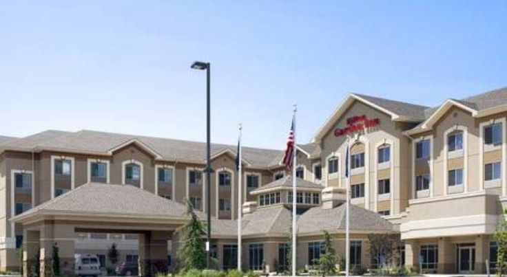 Hilton Garden Inn Salt Lake City Downtown Salt Lake City Featuring many free amenities, including 24-hour airport shuttles to Salt Lake City International Airport, this hotel offers easy access to many major freeways as well as to popular area attractions.