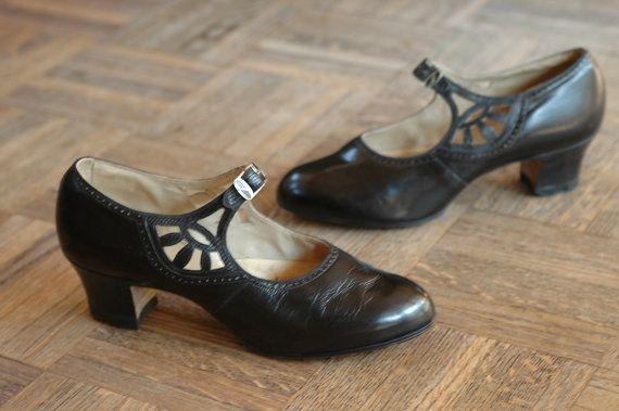 vintage NOS 1920s shoes / 20s black leather flapper shoes