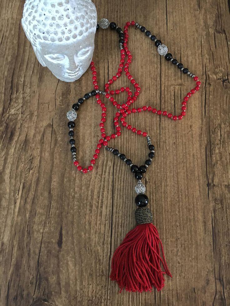 Le chouchou de ma boutique https://www.etsy.com/ca-fr/listing/555155258/mala-des-fetes-collier-de-meditation