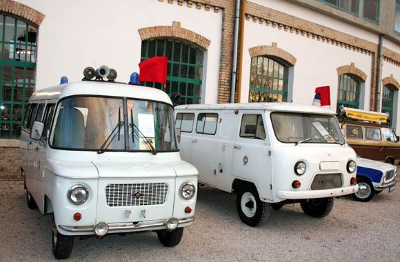 Nysa 521S & Uaz 452 ambulances