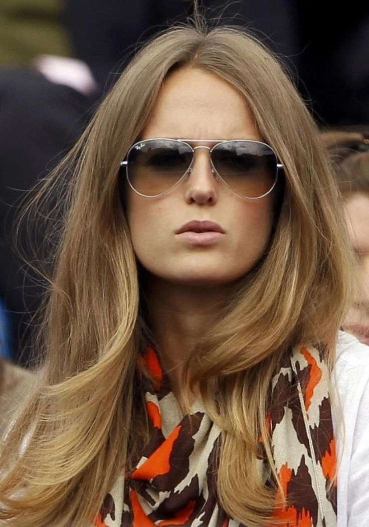 Kim Sears: Andy Murray's Girlfriend Cheers on Tennis Star at Wimbledon [PICTURES]