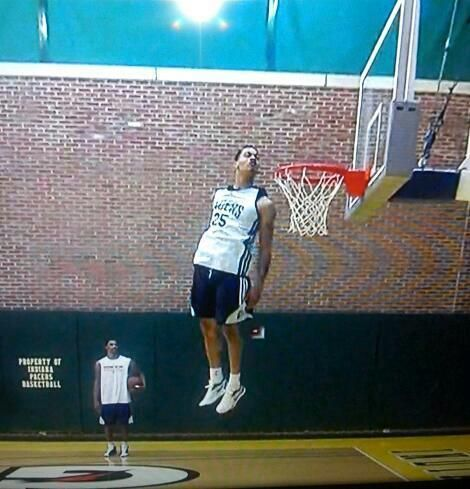 Gerald Green - looking into the rim @ practice!!!  Unbelievable!!!