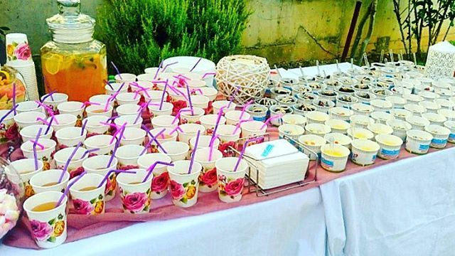 Colourful #christening 🌹 #sweetstory #glikiaistoria #oldfaliron #palaiofaliro #icecreamshop #sweet #homemade #handmade #lemonade #cheesecake #lemonpie #chocolatecake