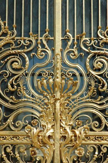 Grille de l'entree principale ~ Petit Palais, Paris - SO beautiful!