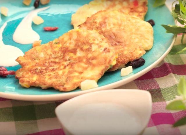 おかずに、おやつに、おつまみに!とうもろこしパンケーキの作り方 - macaroni