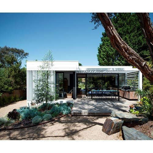 A quiet place on the Mornington Peninsula to relax and recharge was the main a source of inspiration for these owners when designing their own home.