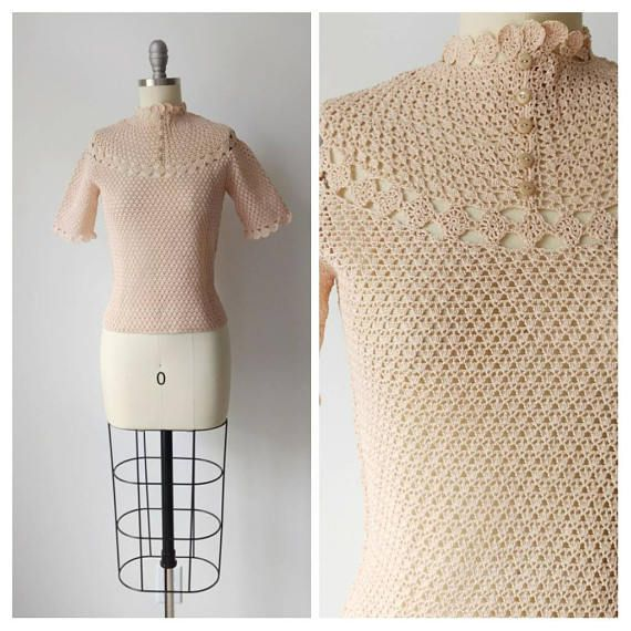 1930s Nude Crochet Blouse | Vintage 30s Beige Short Sleeve Top w Scalloped Collar | Women's Spring Crocheted Sweater | Extra Small