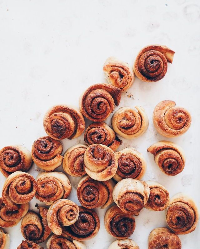 Cinnamon roll with it //
