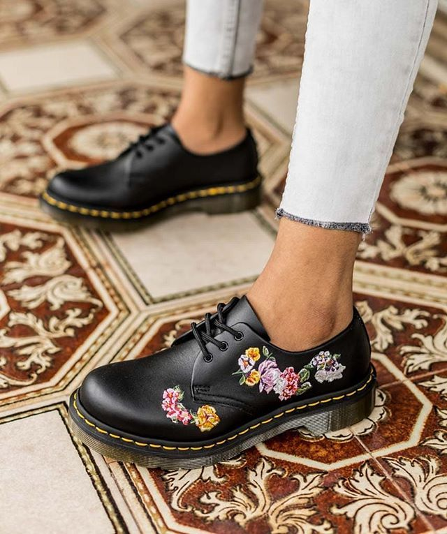 Shop the 1461 Vonda II Oxford at any of
