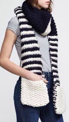 Bufanda blanco y negro tejida