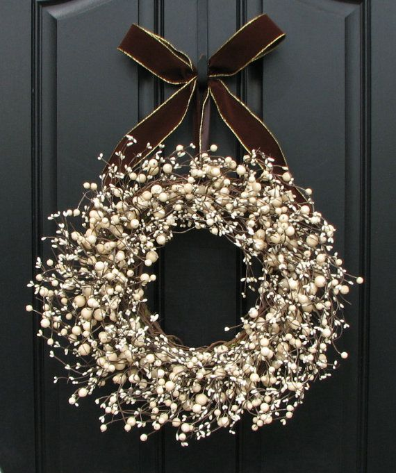 Cute❣—winter Christmas wreath made from baby's breath.