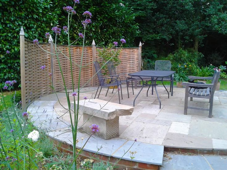 Quercus Curved Woven Oak Fencing Panels Garden Screening