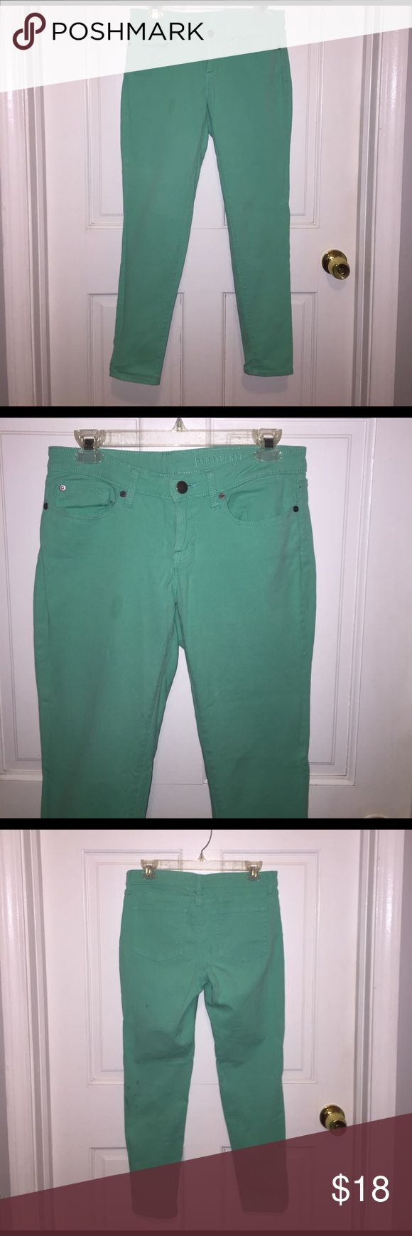 Mint green jeans 👖 Mint green skinny crop jeans. Fit is skinny but still stretchy and comfortable. Mid rise. Worn a handful of times but in great condition. GAP Jeans Ankle & Cropped