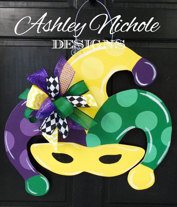 Welcome your friends and family with this colorful Mardi Gras Mask! Made of 1/4 thick wood, painted with high quality outdoor paint and